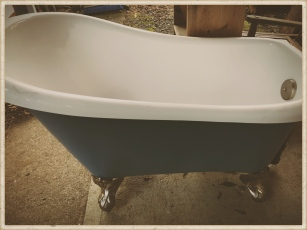 little claw foot tub